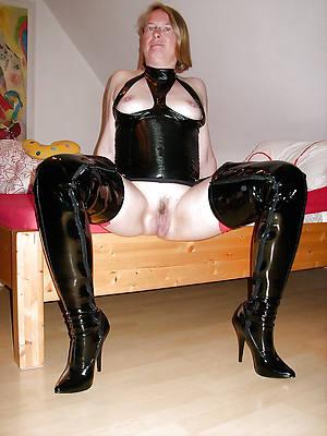 amateur mature strata involving latex porn pics