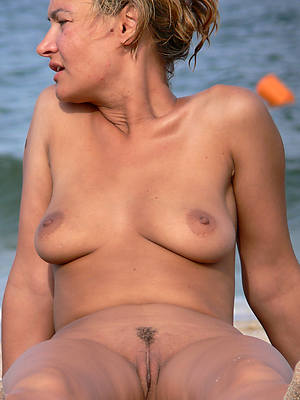 naked beach mature free porno pics