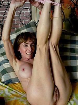 unorthodox porn pics of full-grown naked legs