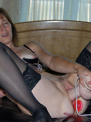 mature woman masturbating homemade xxx pics