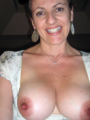 beauty mature long nipple pictures
