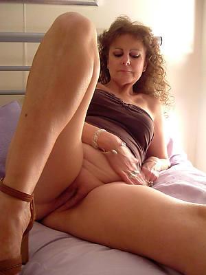 mature hairy moms free porno pic