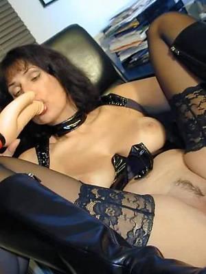 mature in nylon mobile porn pics