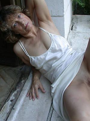 hot mature wife upskirt photos