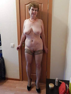 naked pics of aged mature pussy