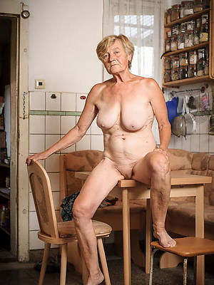60 mature women nude pictures