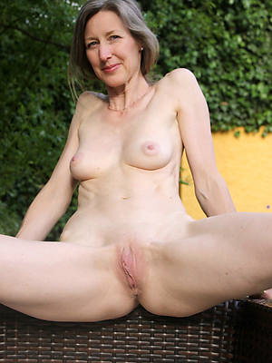 number one mature shaved pussy nude pics