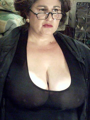 russian private matures in glasses nude pics