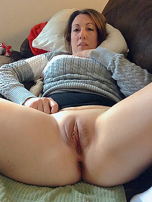 sweet nude big ashen mature ass