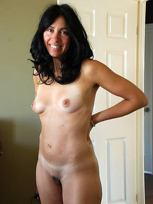 porn pics of brunette mature milfs