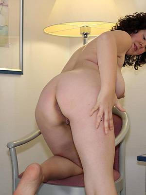 mature big tit brunette porn pictures