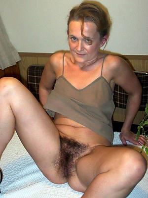 free porn pics of puristic brunette mature