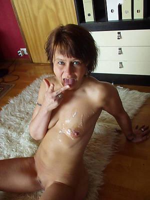 mature mom cumshot shows pussy