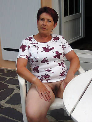 old mature naked women ameture porn