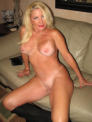 slutty mature women nude pics