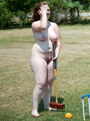 gorgeous mature nude outdoor pics