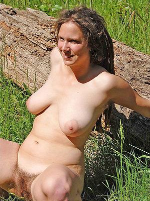 nasty mature alfresco pussy pics