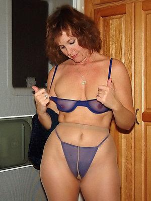 mature moms in pantyhose hallow porn