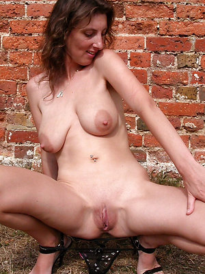 incomparable mature pussy porn pics