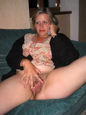 mature pussy porn stripped