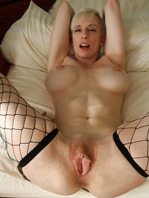 mature beamy vagina pics