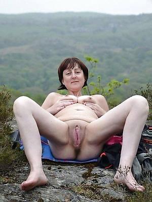 matured vagina and inferior tits