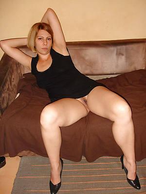 matured upskirt no panties milf gallery