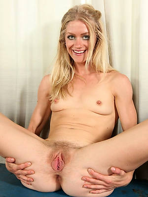nude of age cunts shows pussy
