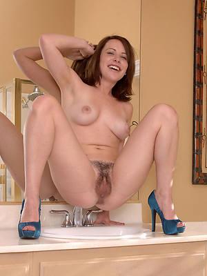free porn pics of mature ladies in heels