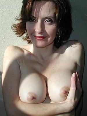free amature nice mature tits pics
