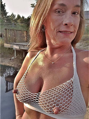 naked pics of large mature nipples