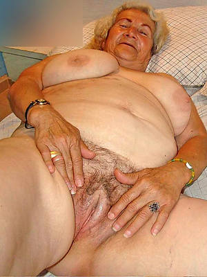 mature grandma nude gallery