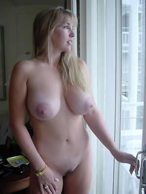 free grown-up mom porn photos