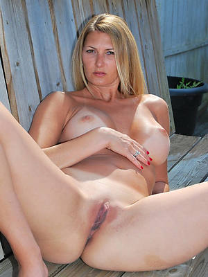mature shaved pussy photos