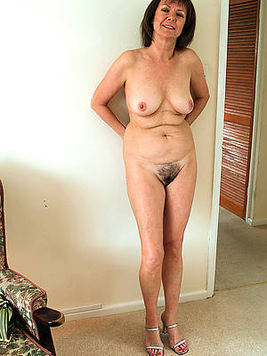 solo mature pussy denuded pics