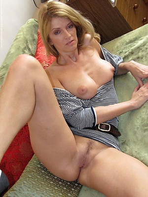 beautiful mature naked women