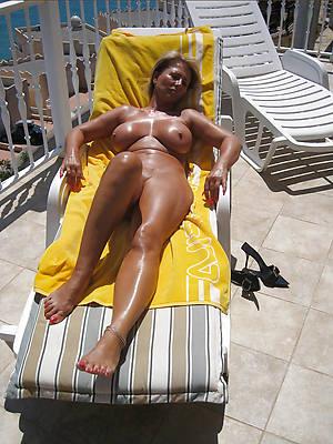 beautiful matured nude seashore porn pics
