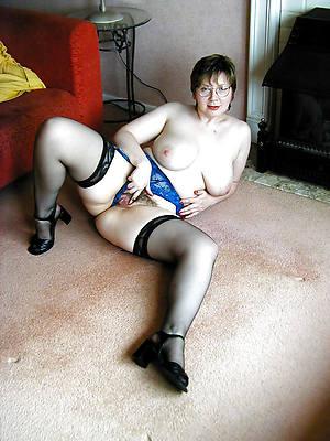 mature nylons gallery