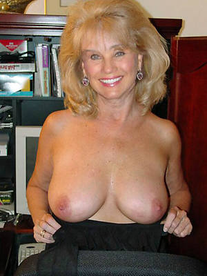 free amature mature blondes pictures