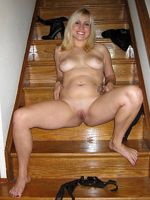 naked mature blondes pics