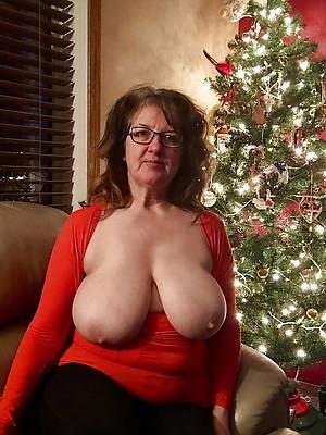 mammy saggy boobs pics