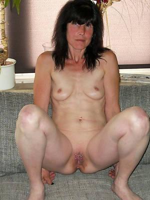 grown up women small tits pics