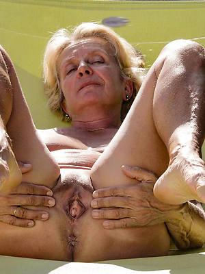 free amature hot naked grandmas pics