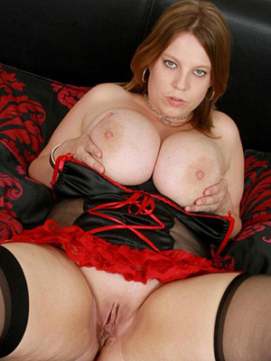 sweet nude adult mom pic