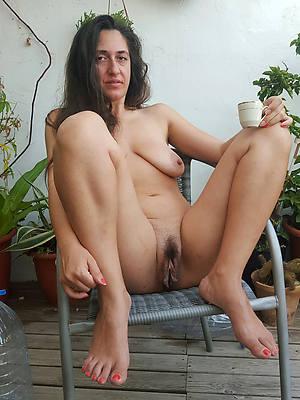 mature moms naked venal sex pics