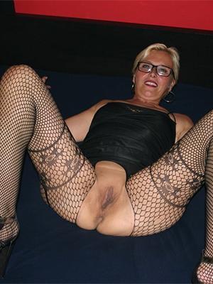 hot pantyhose mature pics