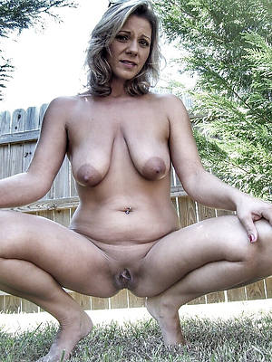 fresh saggy tit mature pics