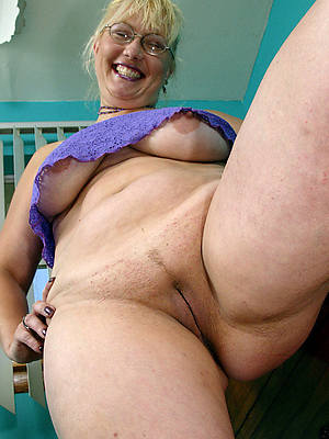 sexy naked hot mature singles