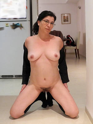 mature horny women pics
