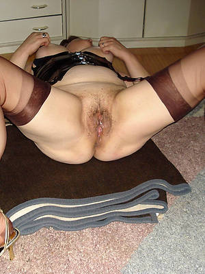sweet mature legs and pussy